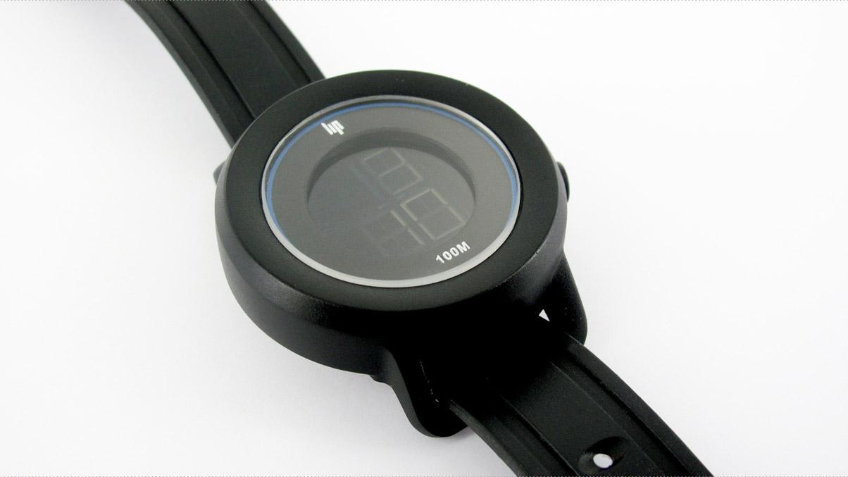 Montre bracelet Adveez pour protéger les personnes atteintes de la maladie d'Alzheimer